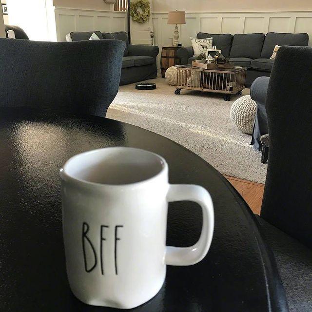 Robotický vysavač iRobot Roomba i mop Braava jsou nejlepšími přáteli každé hospodyně i každého hospodáře. 👩❤️💋👨 #BFF #bestfriends